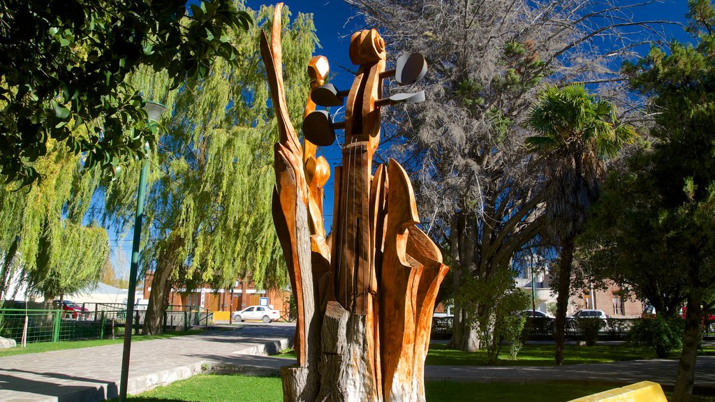 Puerto Madryn showing outdoor art