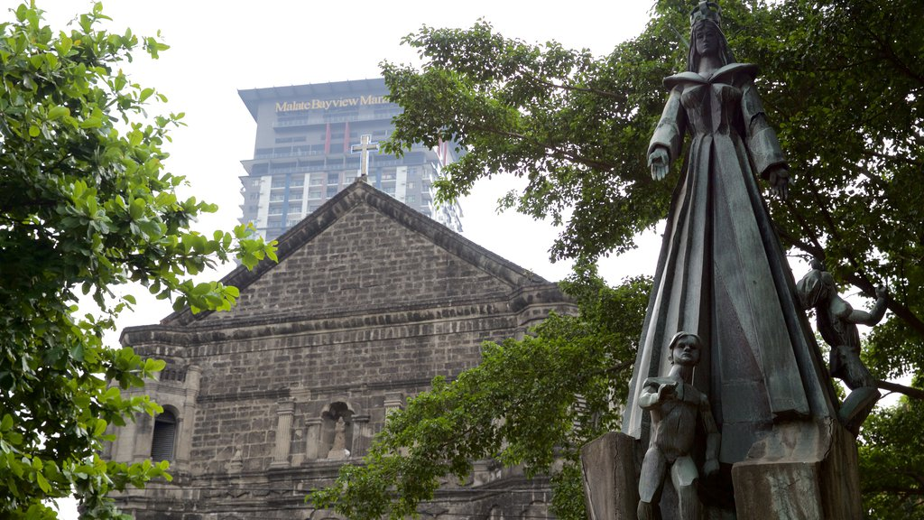 Malate featuring religious aspects, heritage architecture and a church or cathedral