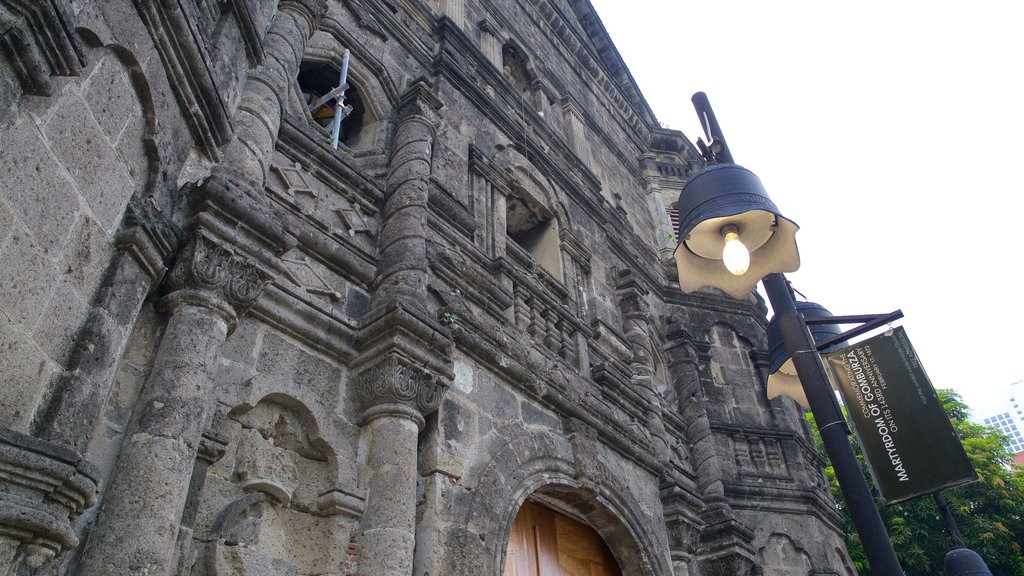 Malate showing heritage architecture, a church or cathedral and religious aspects