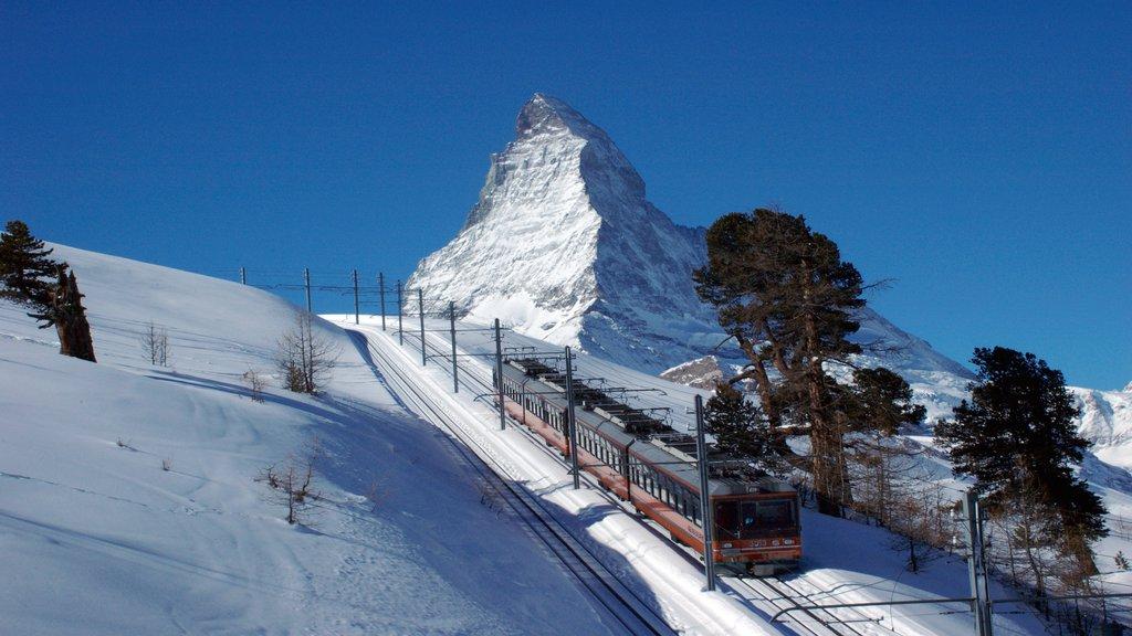 Matterhorn mostrando montañas, artículos de ferrocarril y nieve