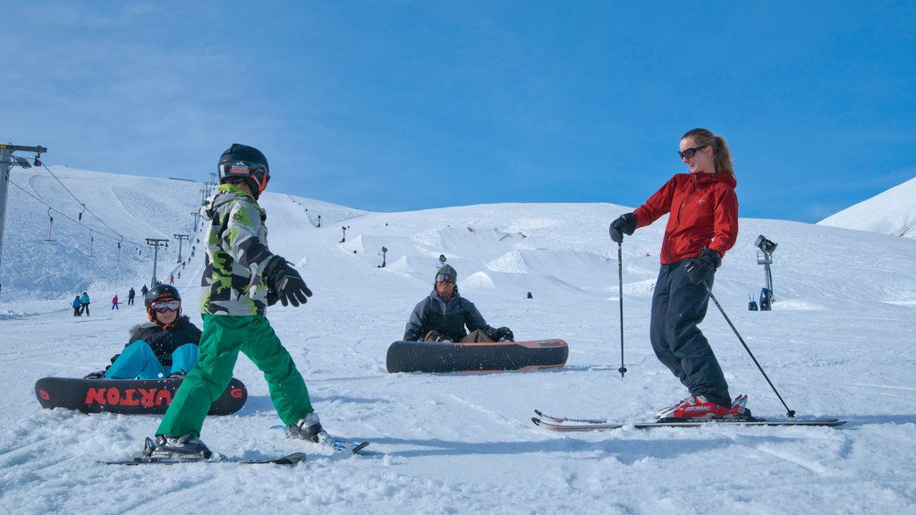 Roundhill Ski Area which includes snow skiing, snow tubing and snow