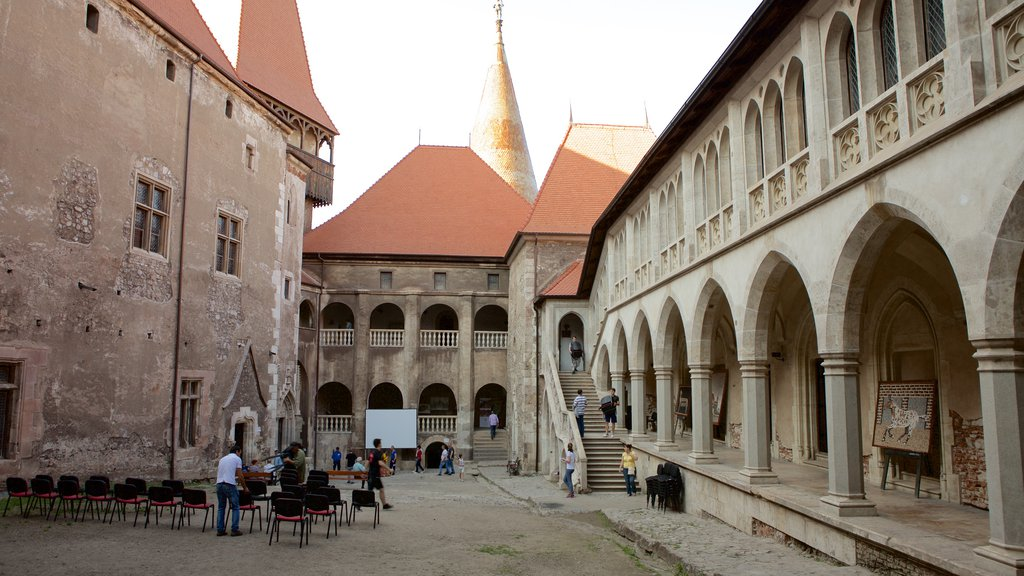 Hunedoara Castle which includes chateau or palace and heritage elements