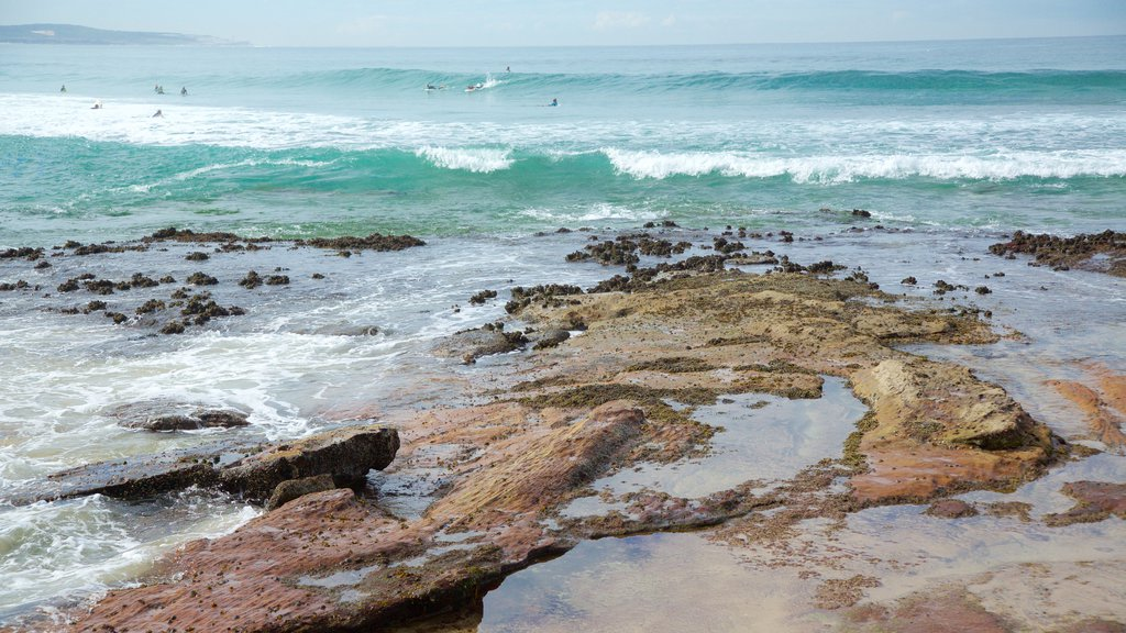 Cronulla Beach which includes rugged coastline