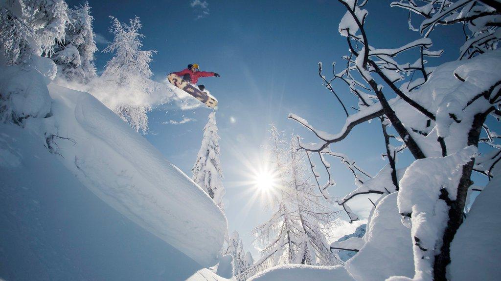 Centro de esquí Nassfeld-Hermagor mostrando snowboard y nieve