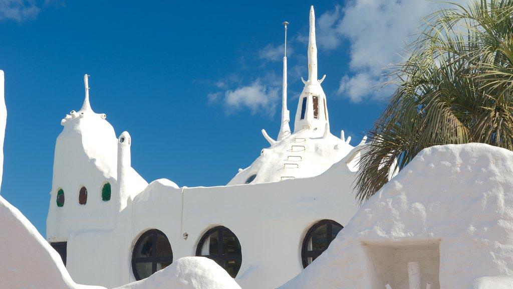 Punta Ballena featuring modern architecture
