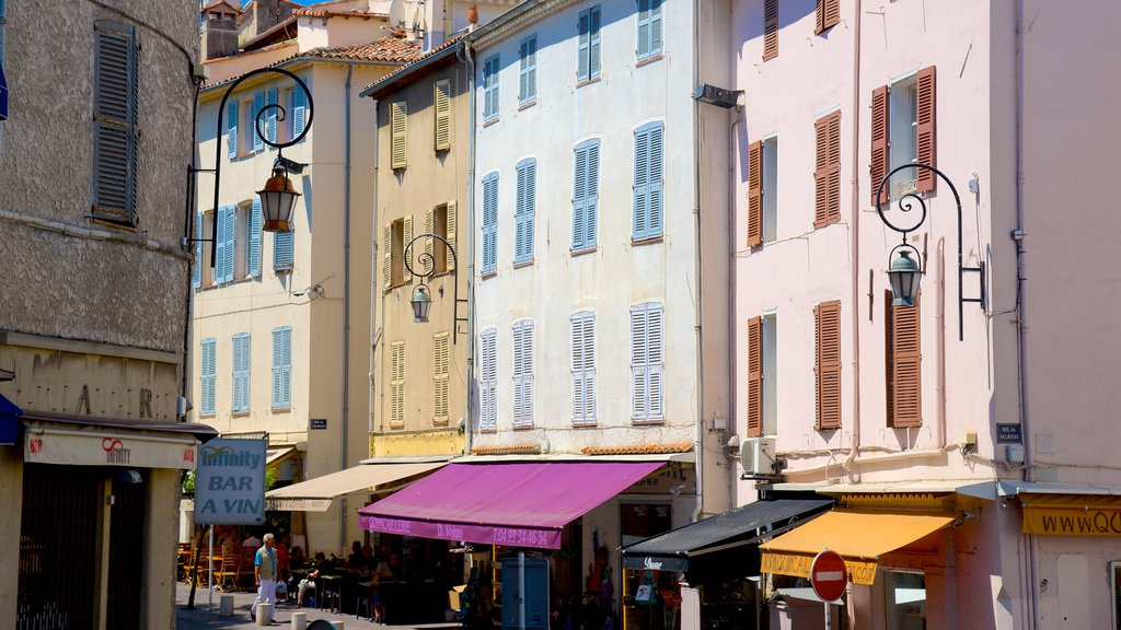Antibes featuring a city and heritage elements