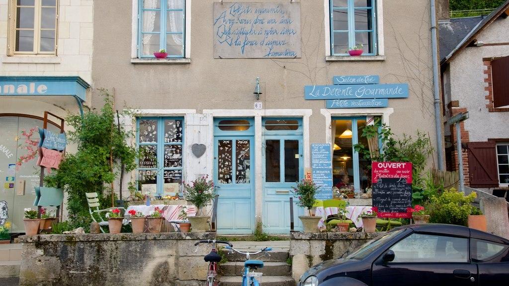 Chaumont-sur-Loire featuring a hotel