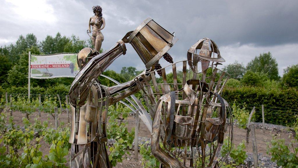 Chaumont-sur-Loire featuring outdoor art