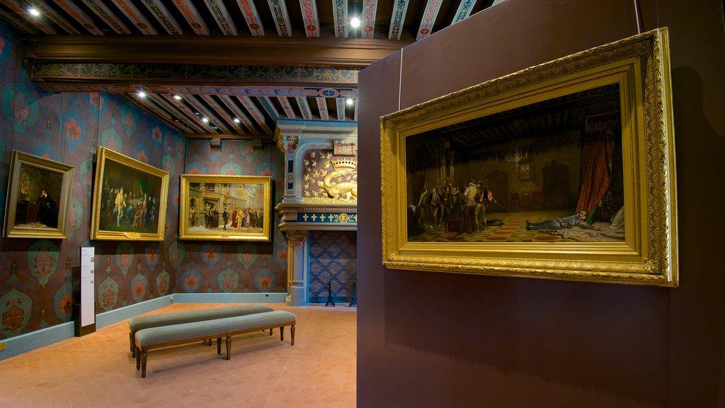 Chateau de Blois showing a castle, interior views and art