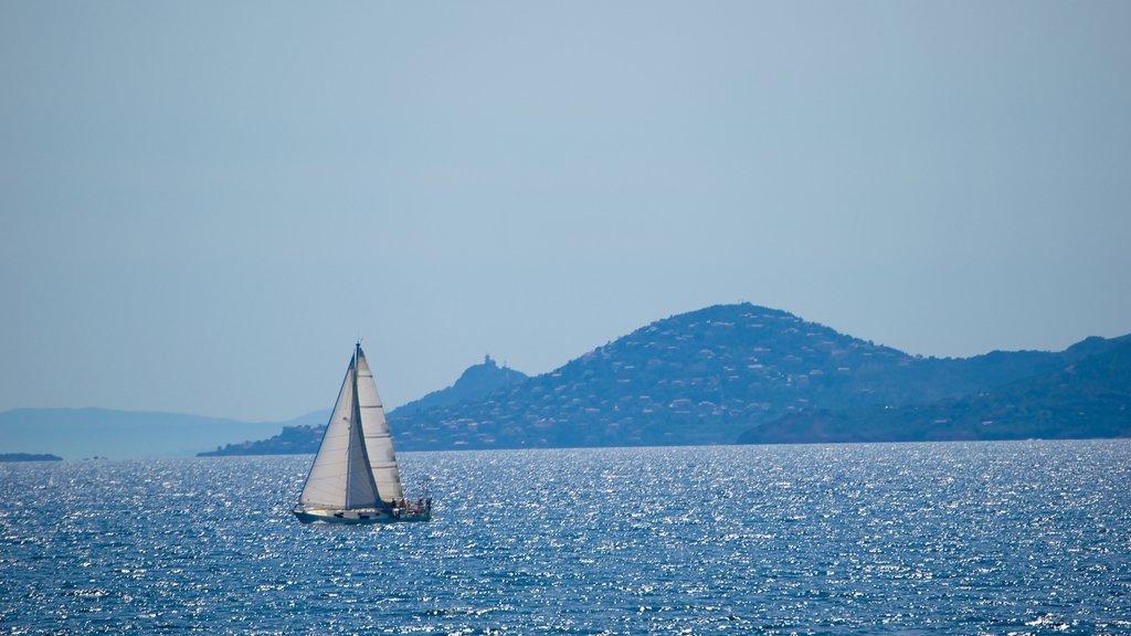 Ile Saint-Honorat featuring sailing