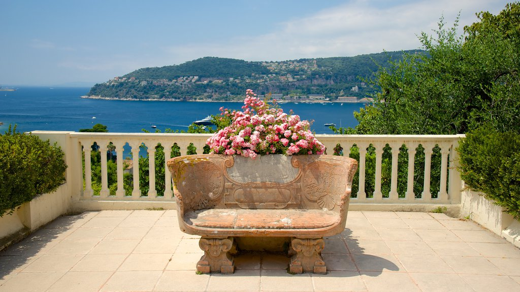 Villa Ephrussi which includes views