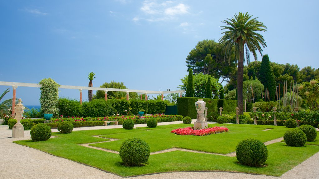 Villa Ephrussi which includes a garden