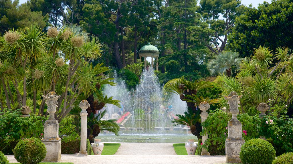 Villa Ephrussi which includes a fountain and a garden