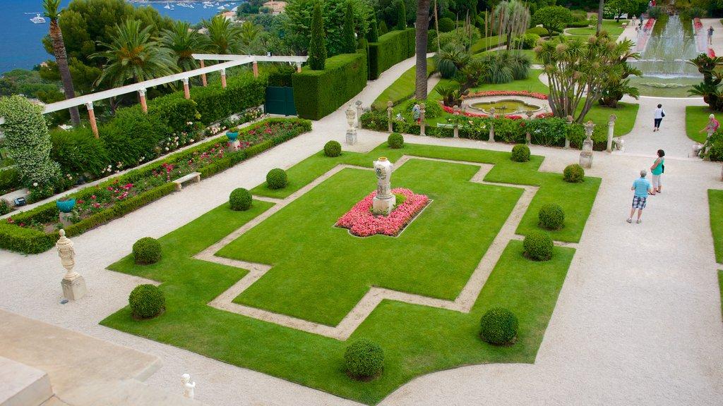 Villa Ephrussi which includes a garden