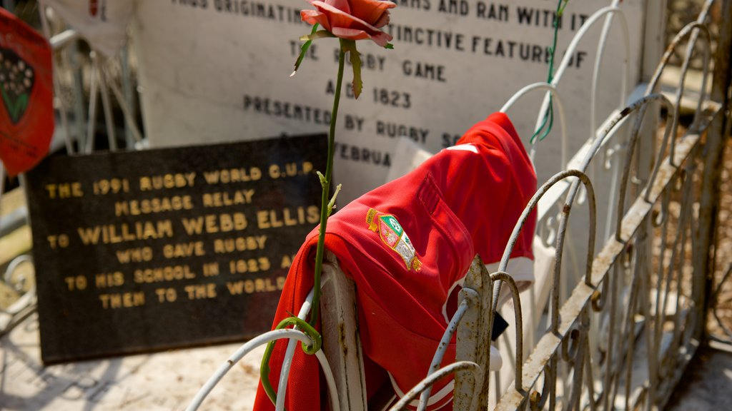 Menton featuring a cemetery