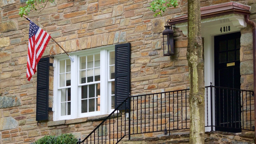 Spring Valley que incluye una casa y elementos del patrimonio