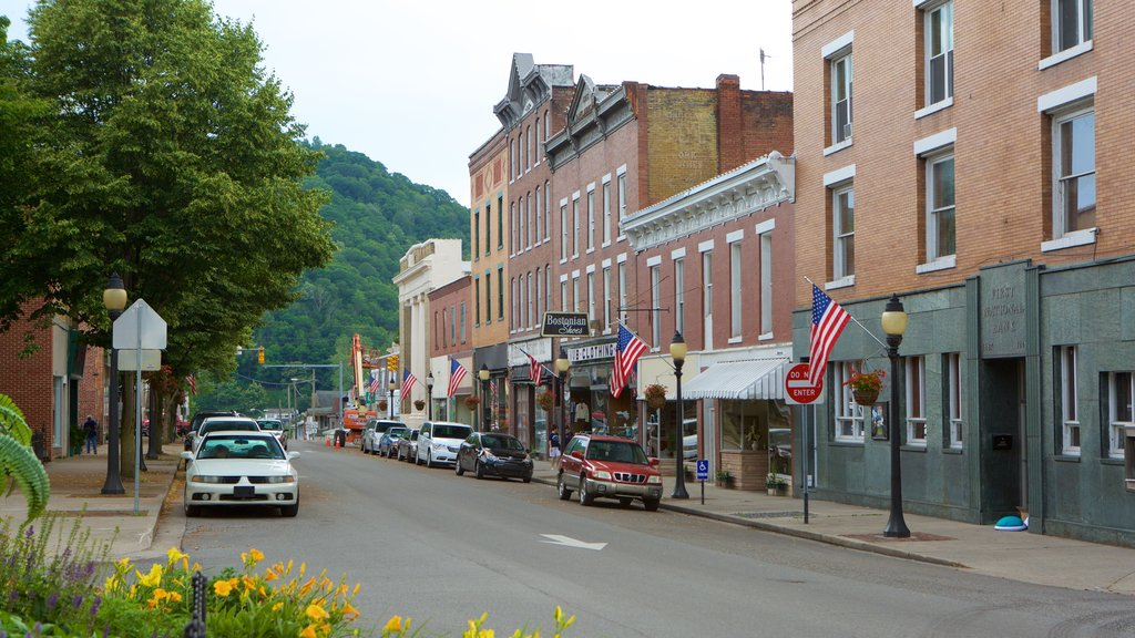 Hinton featuring a small town or village, heritage elements and street scenes