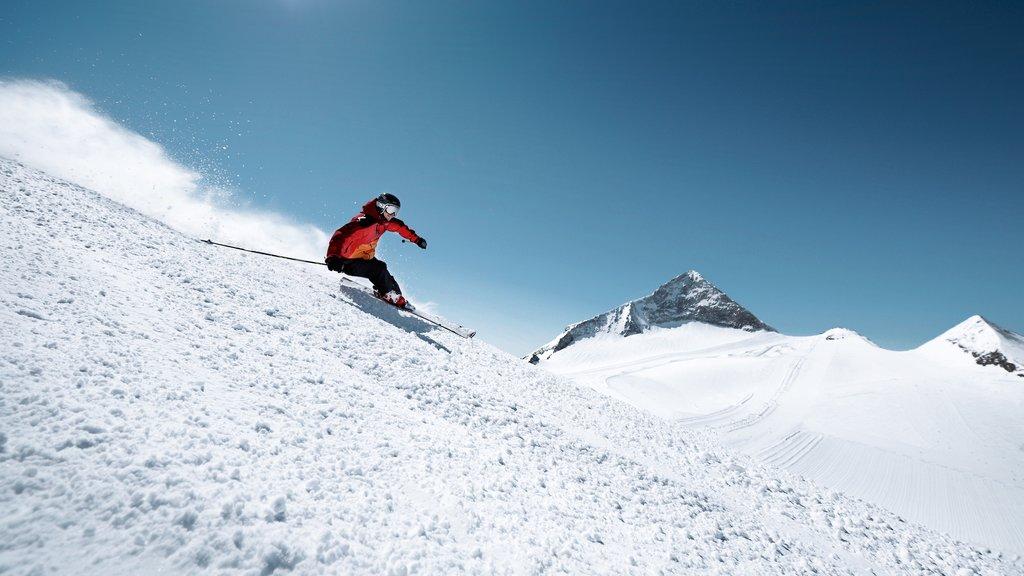 Hintertux Glacier Ski Resort featuring snow, mountains and snow skiing