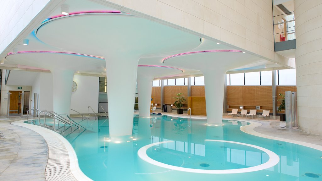 Thermae Bath Spa showing a pool and a day spa