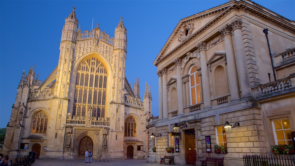 Bath Abbey which includes heritage architecture, a church or cathedral and a square or plaza