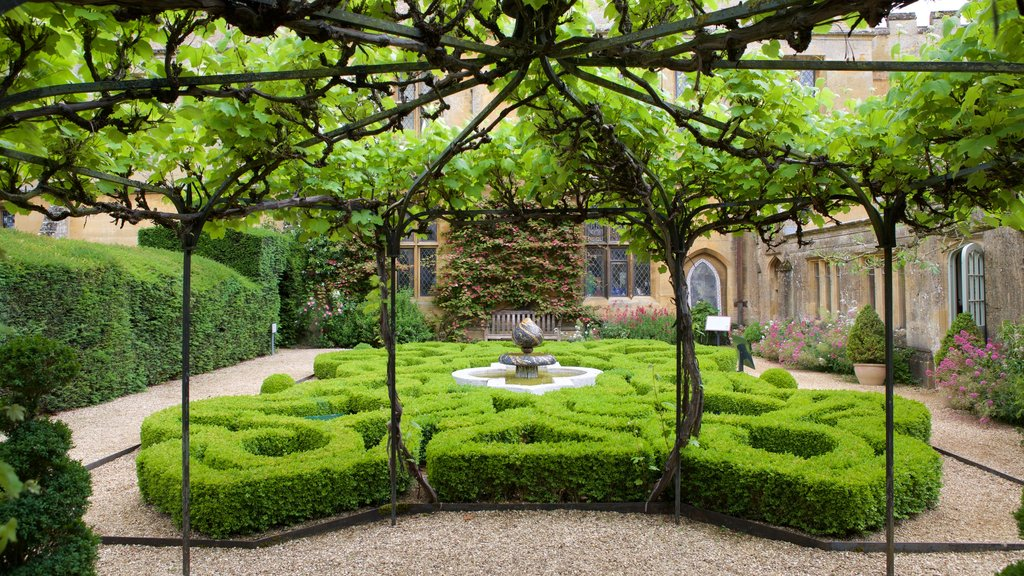 Sudeley Castle which includes a castle, building ruins and a fountain