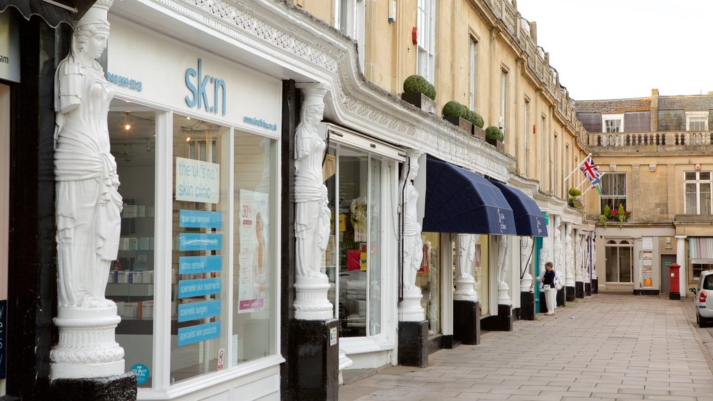 Cheltenham showing street scenes, shopping and heritage architecture