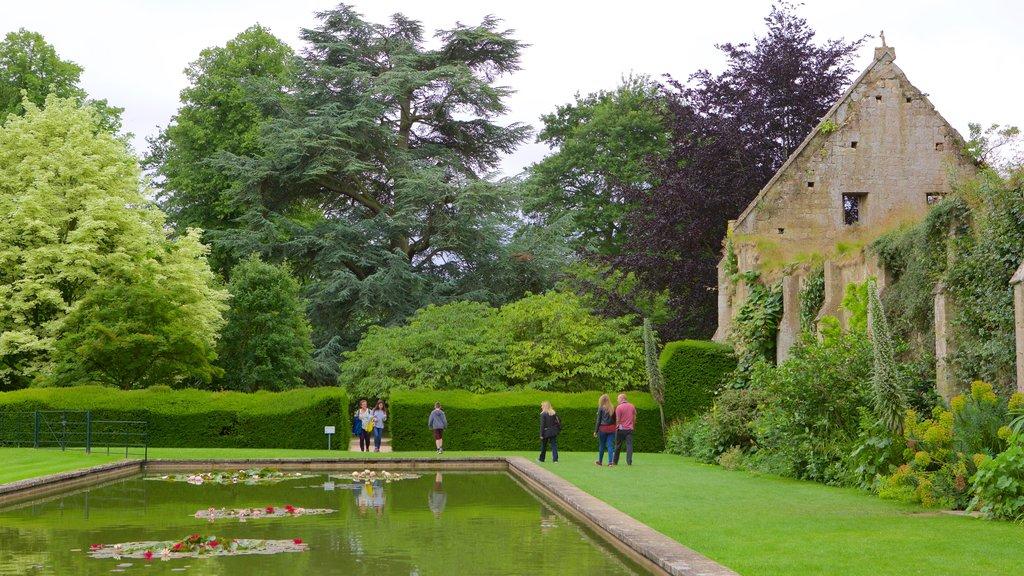Sudeley Castle showing a castle, a garden and a pond