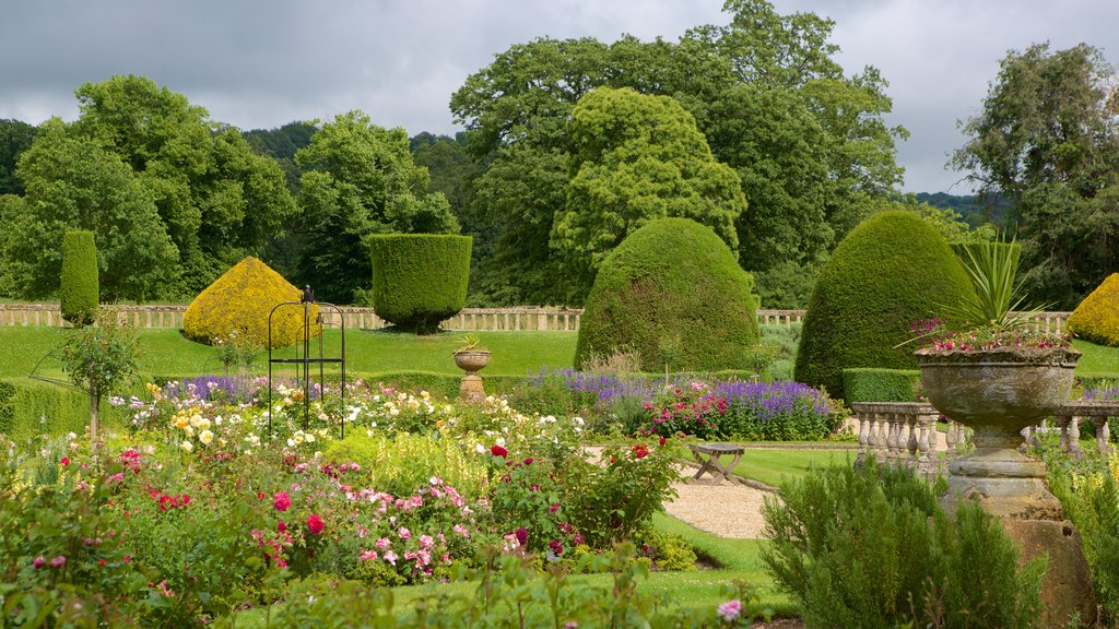 Sudeley Castle which includes flowers, a garden and a castle