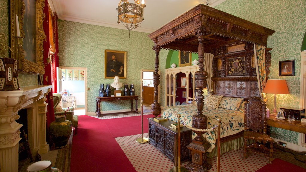 Sudeley Castle showing a castle and interior views