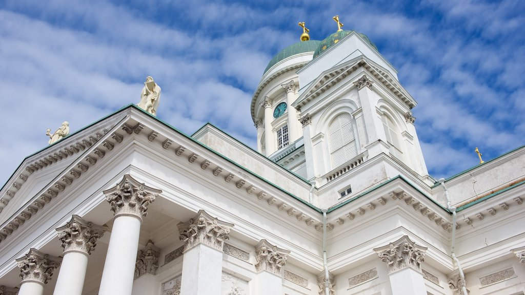Helsinki Cathedral which includes heritage architecture and a church or cathedral