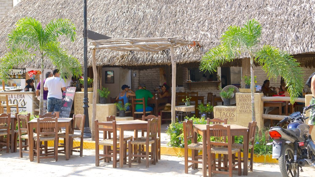 Sayulita featuring a bar and outdoor eating