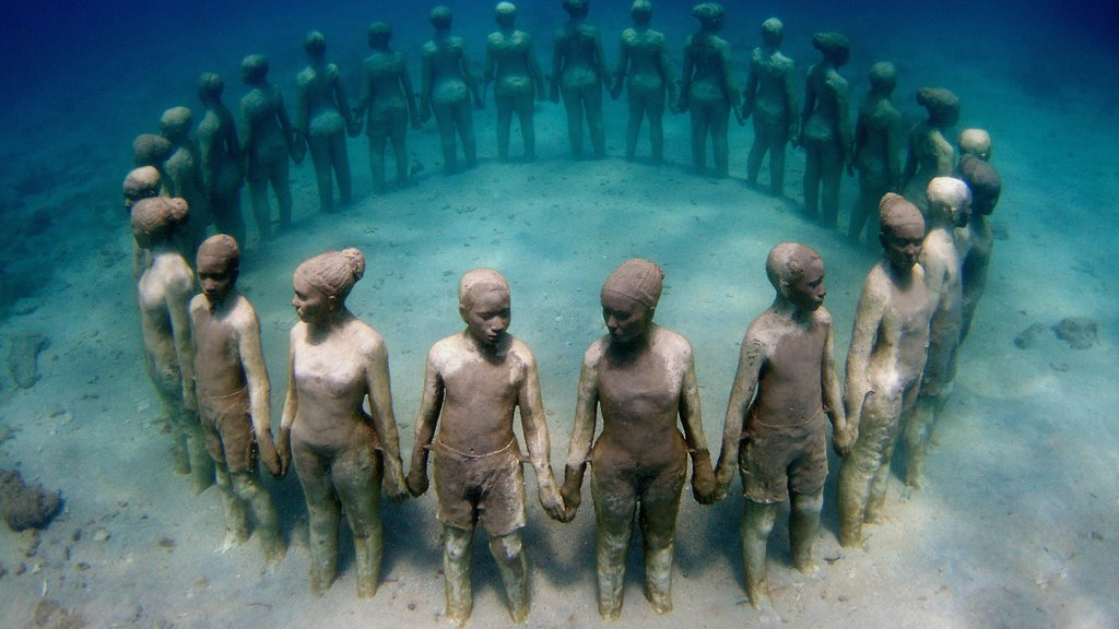 Grenada which includes a statue or sculpture and scuba diving