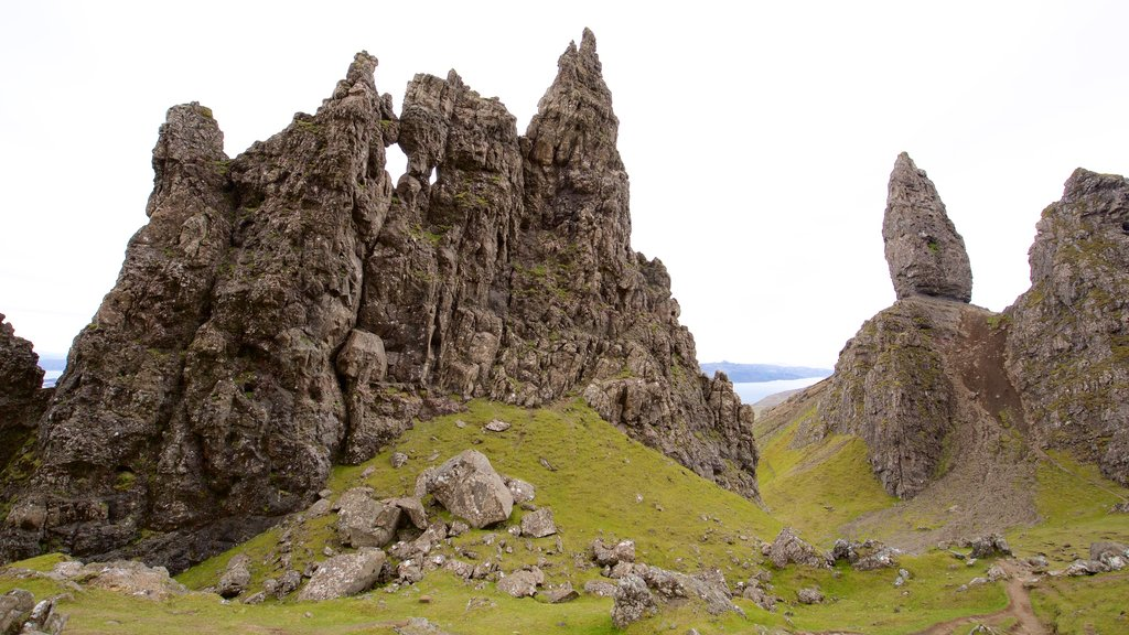 Old Man of Storr featuring mountains and tranquil scenes