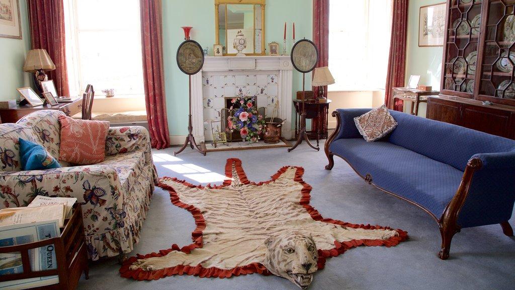 Skara Brae mostrando una casa, elementos del patrimonio y vistas interiores