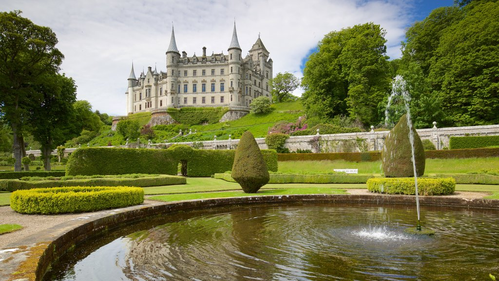 Dunrobin Castle showing a garden, heritage elements and a castle