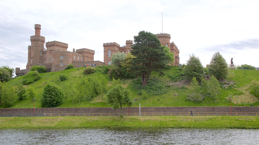 Inverness Castle featuring chateau or palace, heritage architecture and a river or creek