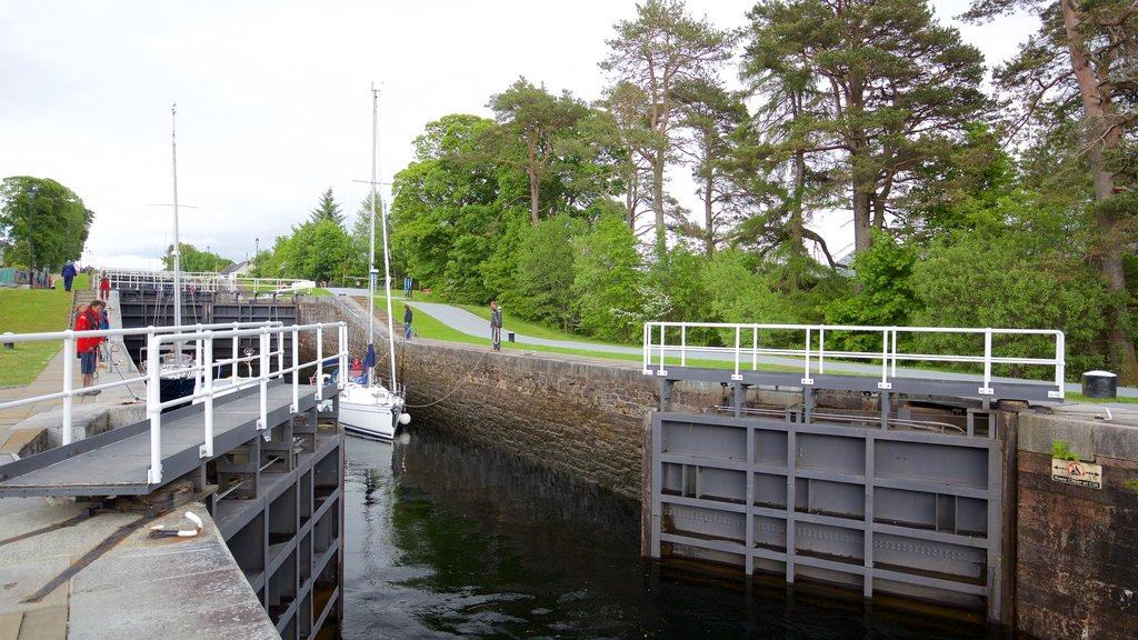 Neptune\'s Staircase which includes boating, a bridge and sailing