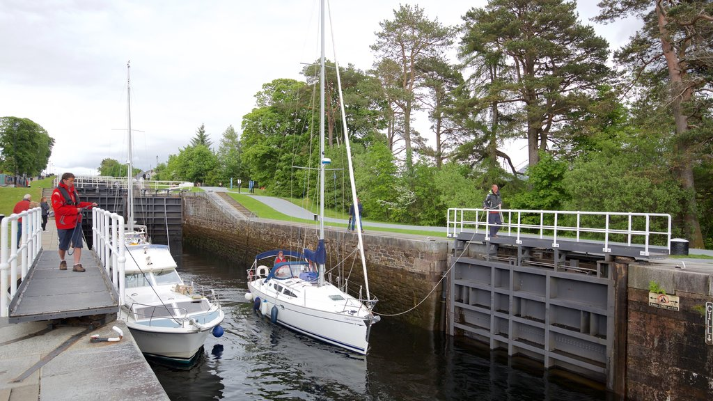 Neptune\'s Staircase which includes a bridge, sailing and boating