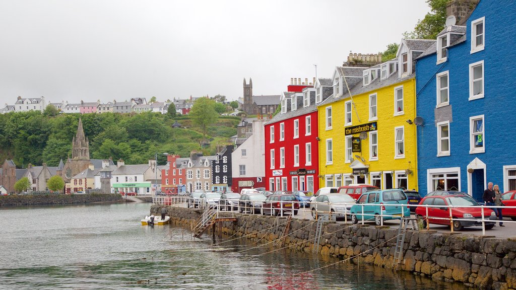 Isle of Mull showing street scenes, a coastal town and a bay or harbor