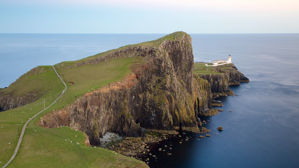 Neist Point Lighthouse showing rugged coastline, general coastal views and landscape views