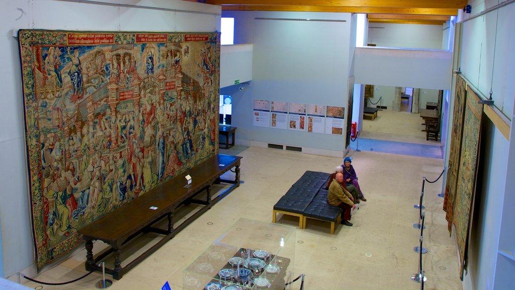 Burrell Collection que incluye arte y elementos del patrimonio