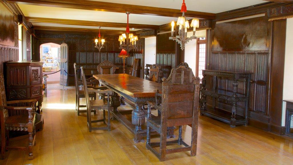 Burrell Collection que incluye elementos del patrimonio y vistas interiores