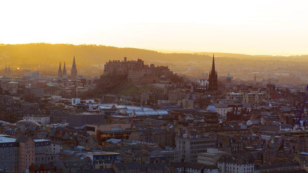 Asiento de Arturo ofreciendo una ciudad y una puesta de sol