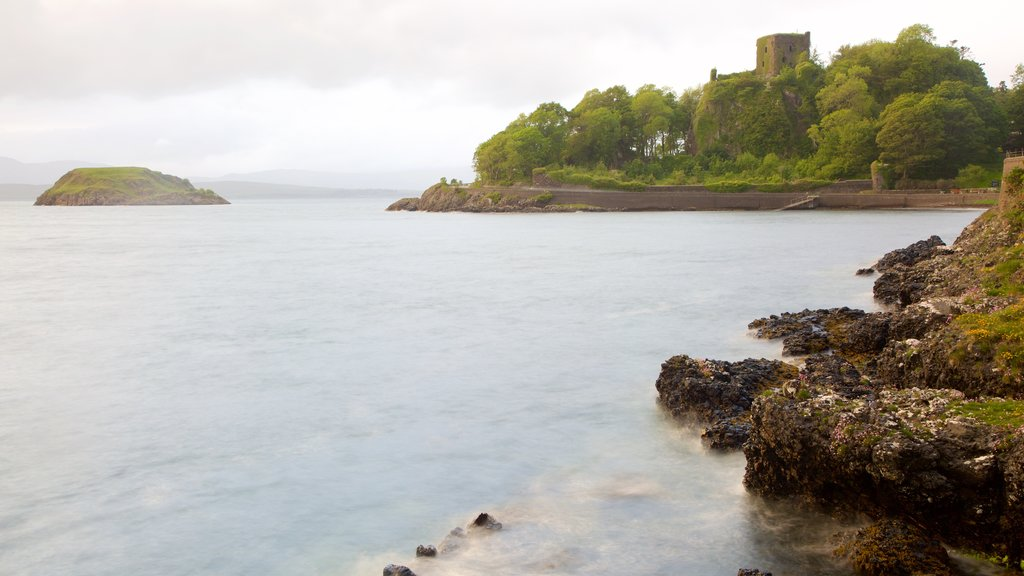 Oban showing a castle and heritage elements