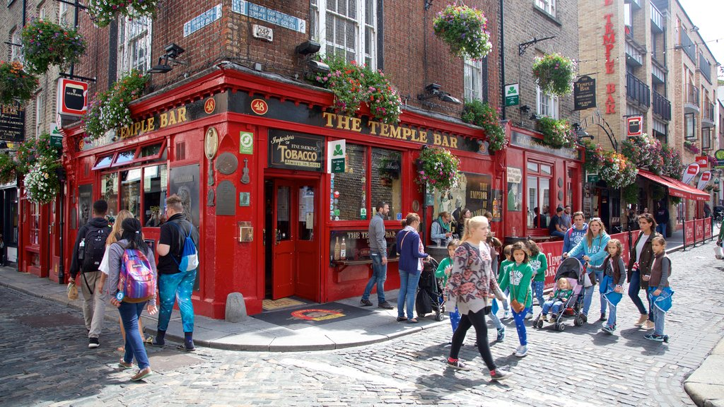 Temple Bar which includes a city, a bar and street scenes