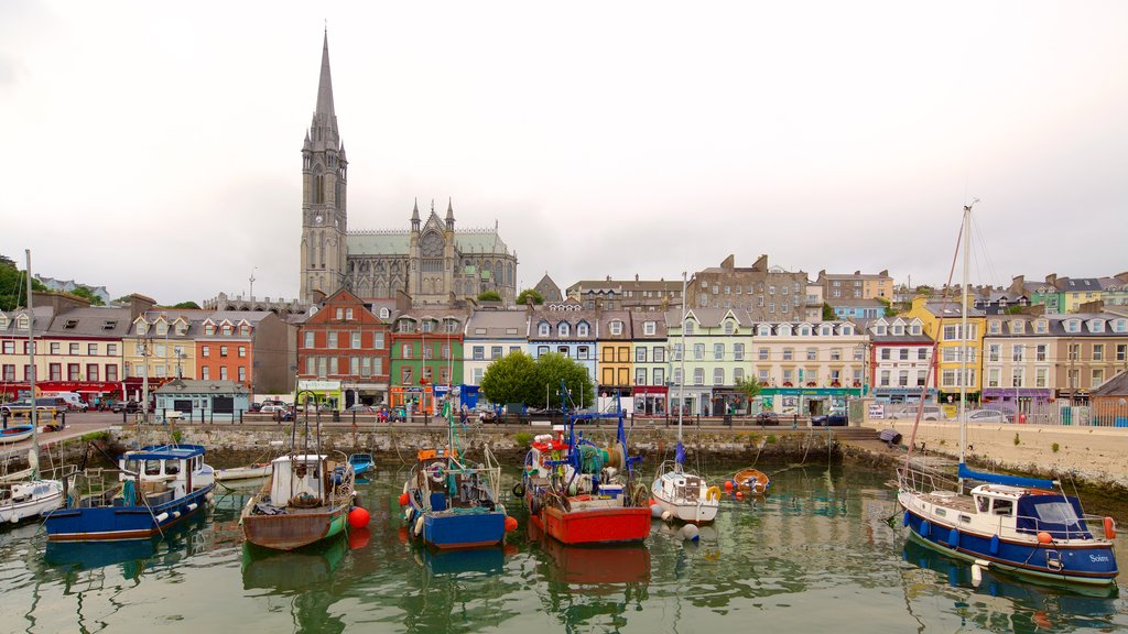 Cobh showing boating, a small town or village and heritage elements