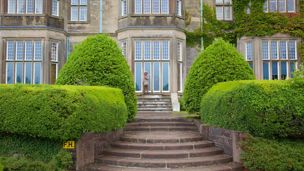 Muckross House which includes heritage architecture, heritage elements and chateau or palace