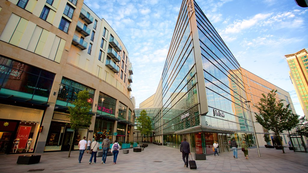 Cardiff featuring modern architecture, a square or plaza and a city