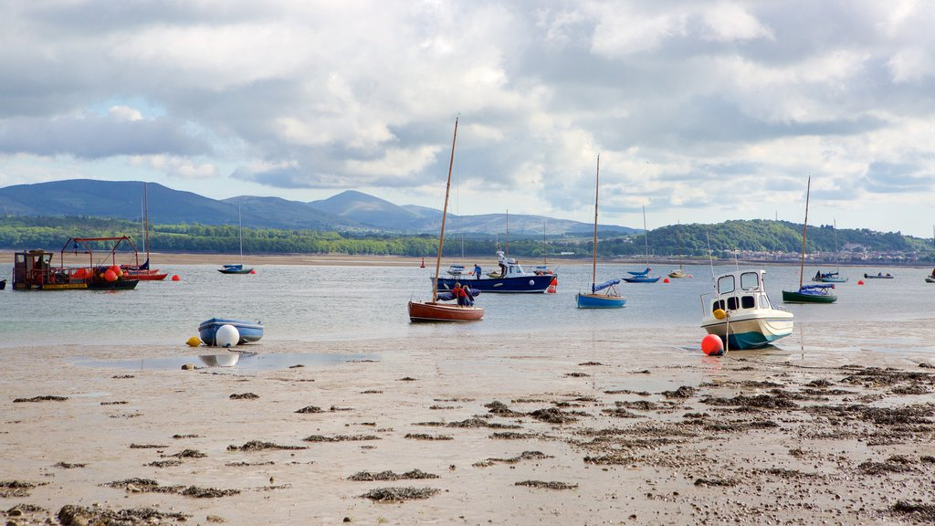 Beaumaris featuring a pebble beach, tranquil scenes and boating