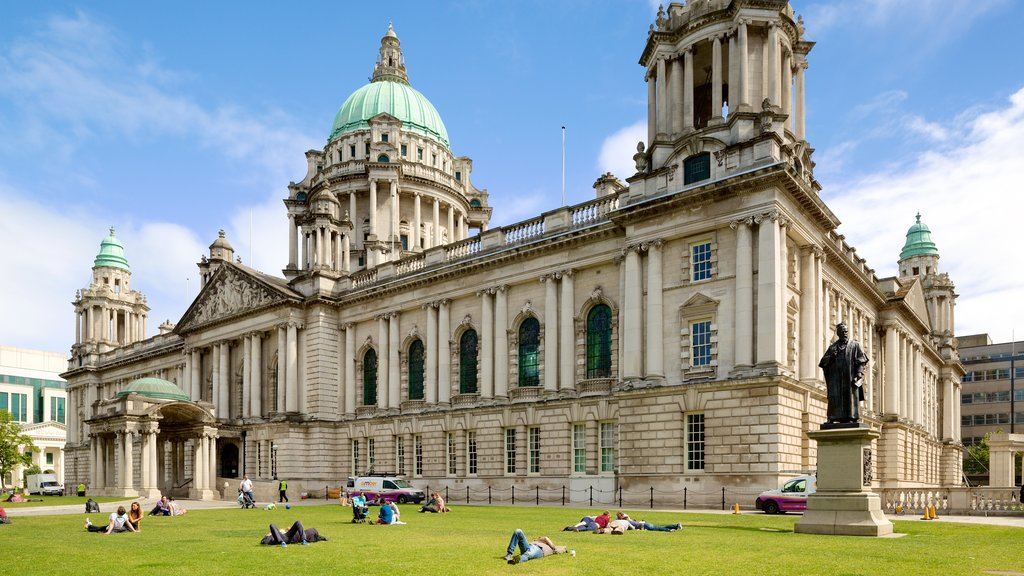 Belfast City Hall which includes a garden, a statue or sculpture and heritage elements
